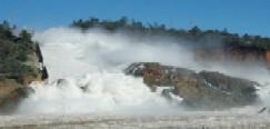 Evacuan 3 condados en peligro de severa inundación en California